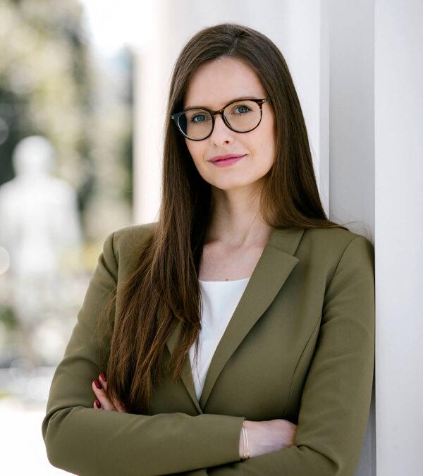 Nerds of Law 60 – Die polyamore Gesellschaft mit Caroline Fischerlehner